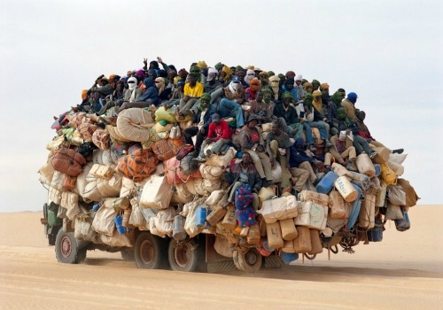 camion-surchage-afrique.jpg